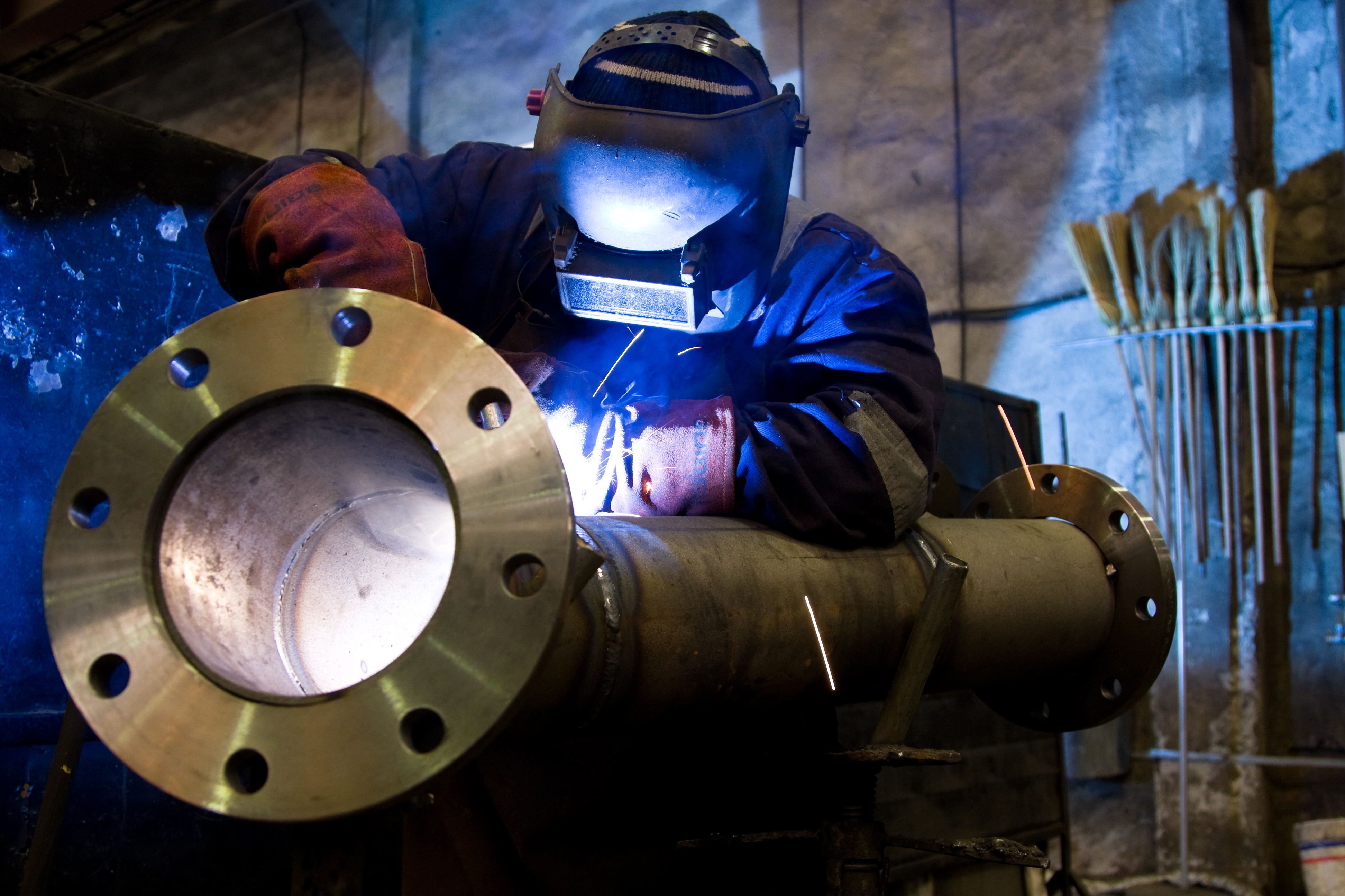 Reidoz Engineering undertake all types of metal fabrication work including welding, cutting, punching and powder coating